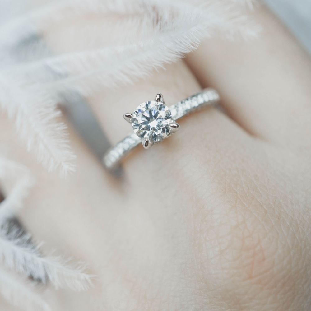How To Choose an Engagement Ring That Suits Your Hand