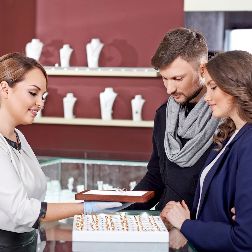 Questions To Ask Yourself When Choosing a Jeweler