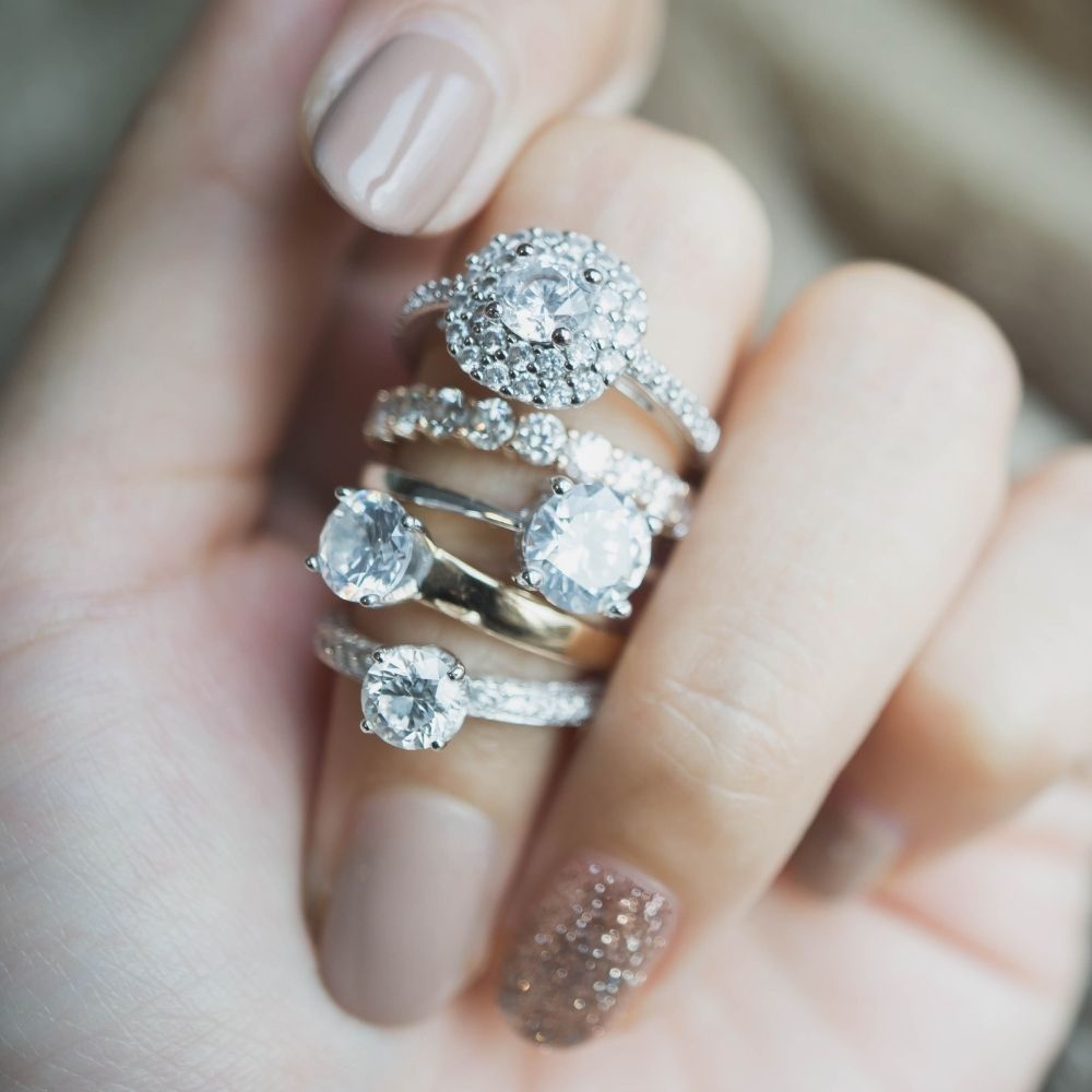 Tips To Consider When Selecting an Engagement Ring