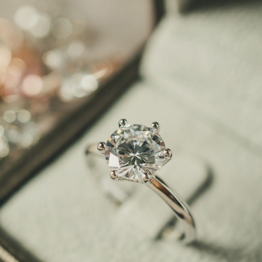 Tips for Selecting the Perfect Metal for Your Engagement Ring